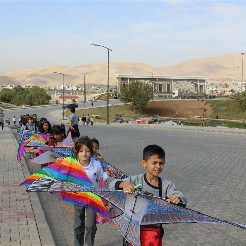 Suleimaniah Students Learn to Fly Kites