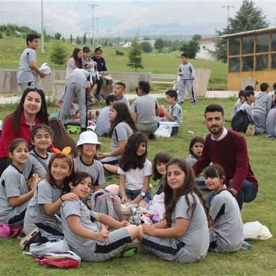 Suleimaniah Students Enjoy Picnic