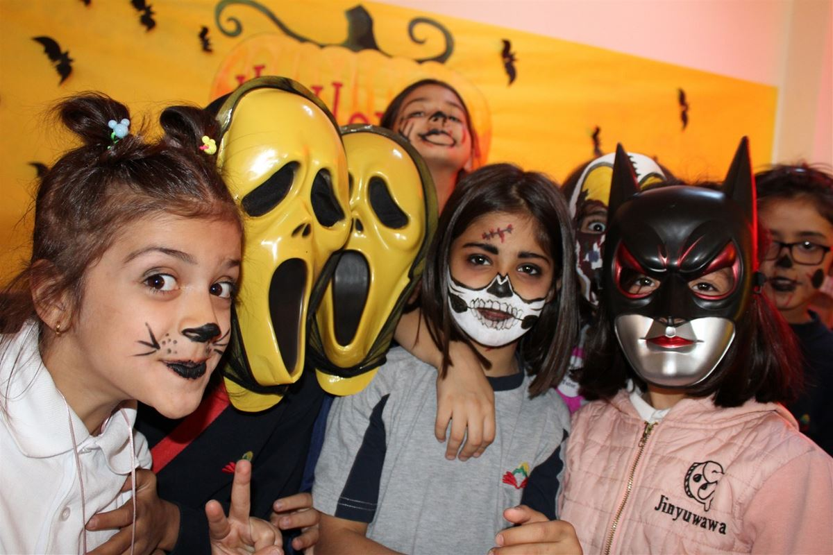 Suleimaniah Students Enjoy Halloween Party