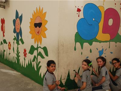 Prefects Decorate the SLO® Room at Suleimaniah