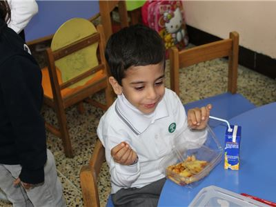 Suleimaniah KG Students Learn Importance of Eating